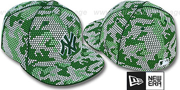 Yankees 'GREEN DOT-CAMO' Fitted Hat by New Era