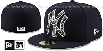 Yankees 'SHIMMER-XL' Navy Fitted Hat by New Era