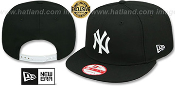 Yankees 'TEAM-BASIC SNAPBACK' Black-White Hat by New Era